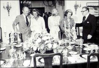 LES FORD ET LEUR FILLE (au centre) AVEC NELSON et HAPPY.
