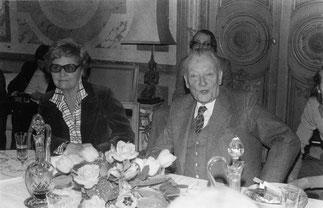 René Huyghe et Mme Darne, épouse de son Excellence le Docteur François Darne, Ambassadeur de l'Ile Maurice à Paris.