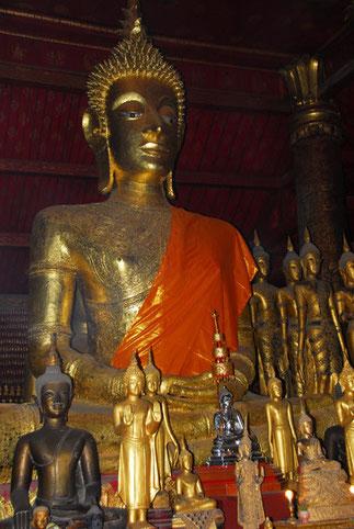 Bouddha DHYANA-MUDRA, en position de méditation
