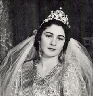 PHOTO DE MARIAGE PRISE PAR ALBAN 1938 <<<<<<<<LA REINE FARIDA EN VISITE à L'EXTERIEUR.