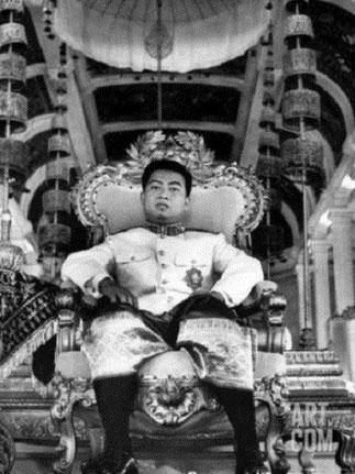 LE ROI NORODOM SIHANOUK DU CAMBODGE (31 OCT. 1922 Phnom-Penh + 15 0ct. 2012 Pékin)