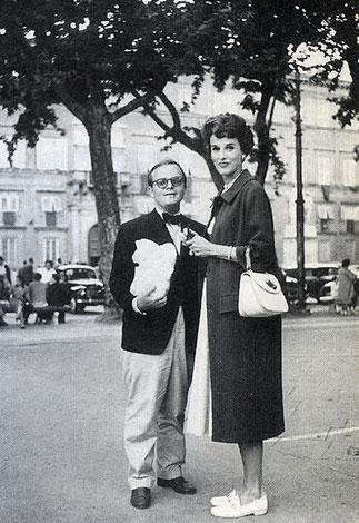 PARIS 1950 AVEC TRUMAN CAPOTE. J'ai toujours détesté ce nabot....