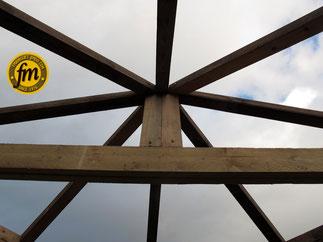 Charpente cabane de jardin d'angle