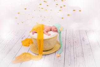 noworodek w karocy