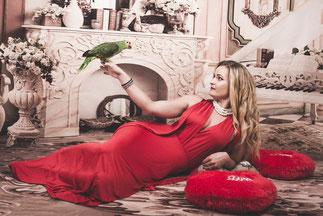 kobieta z papuga