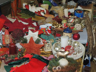 Weihnachtsdeko ist auch im Angebot. Vielleicht ist ja etwas für Euch dabei?