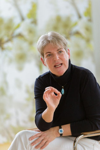 Maya de Vries teaching the Trauma Buster Technique