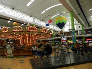 Mega-Mall Albrook. Wie in der schrillsten Einkaufsfantasie