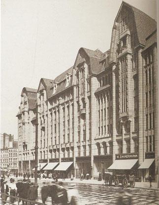 Mönckebergstraße kurz nach der Eröffnung 1909