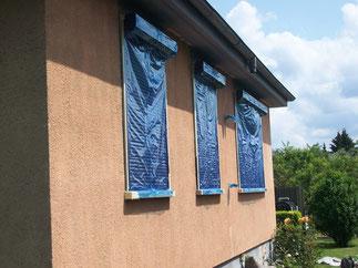 Beispiel Fassadenarbeiten: Fenster abgeklebt