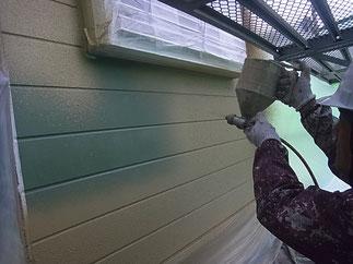 熊本T様家。外壁サイディング面リシン吹付け塗装。