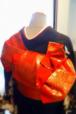 花嫁さんの帯結び「檜扇」/ 斜め後ろから撮影
