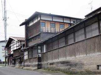 弘前市趣のある建物に指定された店の外観