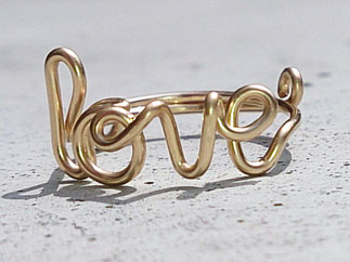 LOVE Ring aus edlem Gold Filled Draht