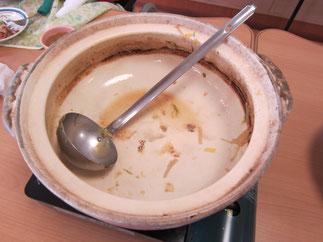 あっという間に鍋の底が見えてきました。今日も完食です!