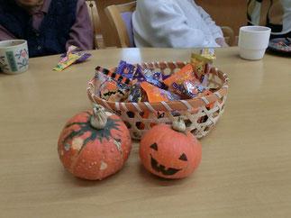 ハロウィンの象徴「お化けかぼちゃ」もお出迎え
