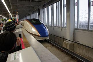 「特急はくたか」から「新幹線はくたか」へバトンタッチ