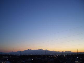こちらは屋上から。あと少しで満天の星空。今晩も冷えそうです