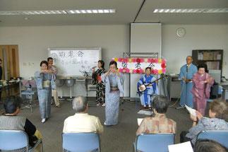 春日民謡研究会さん。盛りだくさんの踊りと民謡に感激