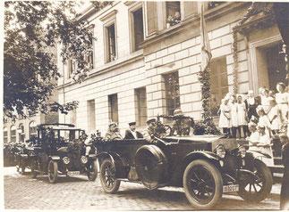 Hindenburg vor der Aula der Universität 1921. Städtisches Museum Göttingen