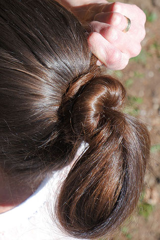 einfache Frisur Anleitung, 1 Minute Frisur, schnelle Frisur