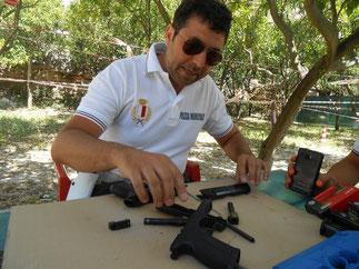 Addestramento al maneggio armi