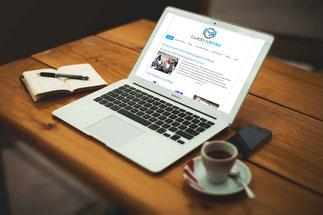 Laptop und ein Espresso auf einem Tisch Webdesign Guido Media Online Marketing