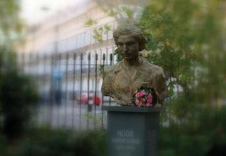 Denkmal für Noor Inayat Khan im Gordon square in London