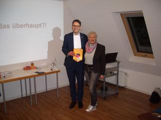 Governor Jutta Künast-Ilg bei Ihrem Besuch bei Lions Lug-ins-Land am 15.2.2017 mit Präsident Jürgen Schrade