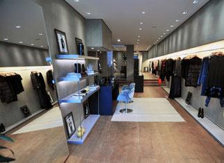 Der Einzelhandel reagiert noch zögerlich mit attraktiven Lieferangeboten auf den Online-Wettbewerb.