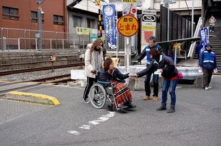 加美東駅前での活動
