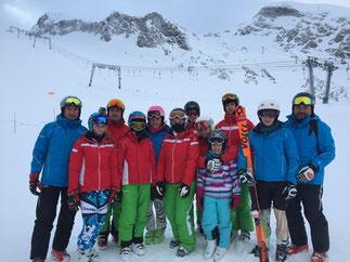 Unser super Team , gemeinsam mit den Rennläufern des SC Aham