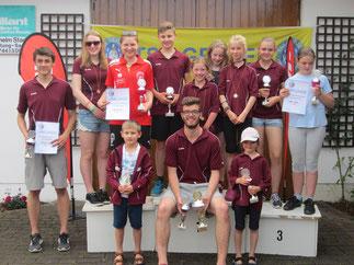 Sofia Moser , Bayerwald Meisterin bei den Kindern und Simon Schachtner Bayerwaldmeister in der Jugend