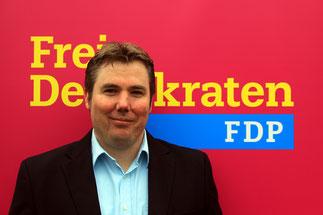 Fraktionsvorsitzender Burkhard Henneken  Kooptiert Kraft Amt im Vorstand der FDP Bocholt