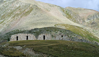 Reste von Befestigungsanlagen am Scheitel