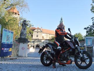 Vor der Burg Schlaining