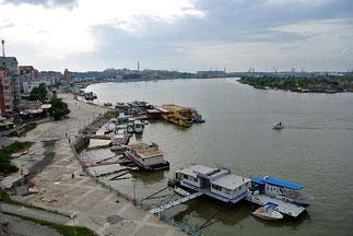 Blick auf die Donau-Uferpromenade von Tulcea