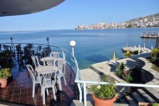 Blick von der Hotelterasse in Sarande...