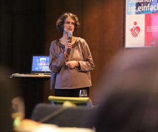 Dr. Antonia Dinnebier