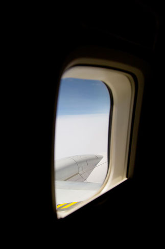 飛行機の窓より