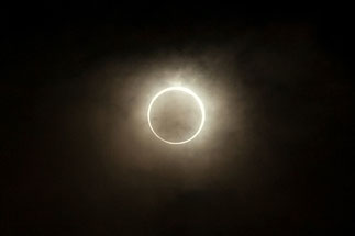 日本 北海道 札幌 金冠日食