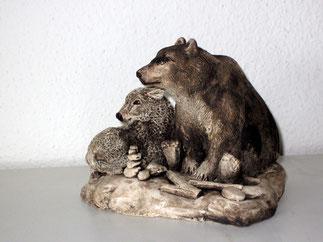 Krafttier, Tierfigur, Bärenfigur, Bärenskulptur, Bisonkalb, Keramik, modelliert