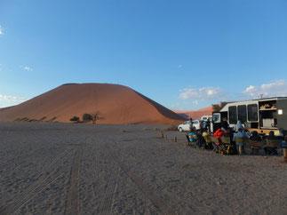 Dune 45の前で朝ごはん