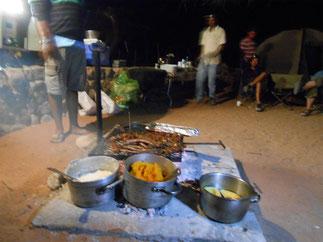 キャンプサイトでの夕ご飯