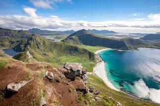 Wanderung Wandertour auf den Mannen Lofoten Haukland Beach