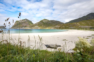 Haukland Stranda Beach Lofoten Wanderung Mannen Himmeltinden