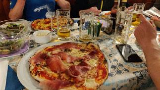 Pizza, Pasta, Paramotoren, Paramotoradvetures