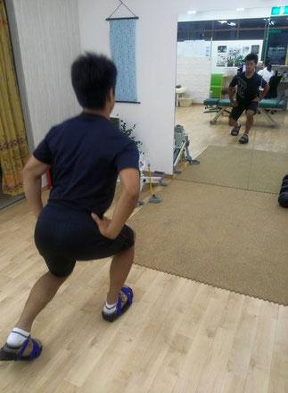 高校生ラグビー部の選手ですが、バランスシューズでトレーニングを開始してからステップなどの足の接地感が変化して下肢全体を使えるようになったそうです。