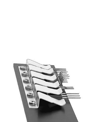 THFM1 - 10  Fischer Elektronik トランジスタ固定用スプリング