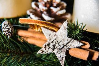 Weihnachtliche Farben in Nahaufnahme